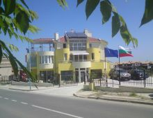 c_220_170_16777215_00_images_articles2_bulgaria_sozopol_MORSKAVILLA3_6.jpg