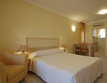c_220_170_16777215_00_images_articles2_bulgaria_sozopol_SANTAMARINAapart-hotel_4.jpg